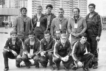 Az 1980-as olimpiai ökölvívó keret, Farkas Sándor elől, balra