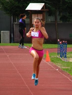 Barta Luca a győzelem felé tart 1000 méteren, emellett váltóban is aranyat szerzett.