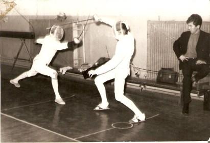 """Egy 1968-as, szolnoki archív fotó """"Dodi bácsi"""" hagyatékából, jobbra Vertich Tamás, az SKSE színeiben."""