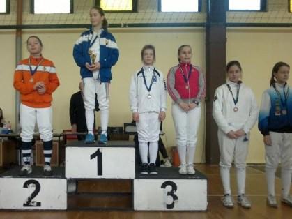 A salgótarjáni Majcher Emese (piros felsőben) a harmadik lett a vidékbajnokságon.