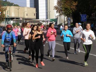 Újra futók lepték el a Vásártér környékét.