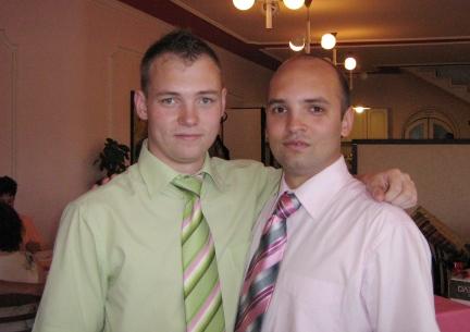 Fiaik, Tamás (balra) és Gábor