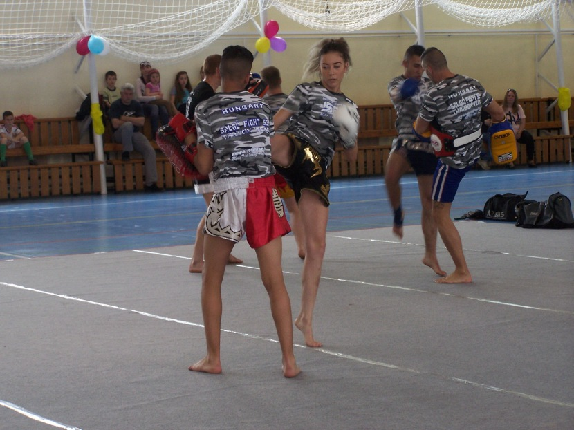 2.Salgó Fight thai box bemutatót tartott